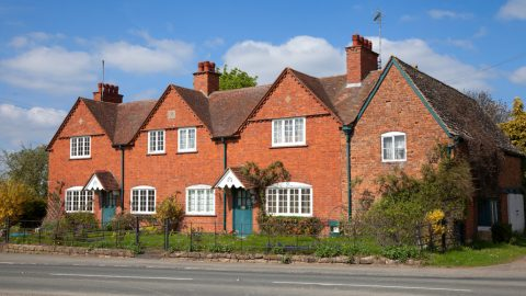 sell your house difficult market header